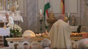 Szent István napi szentmise és kenyérszentelés Vörösváron