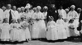 Rózsaesküvők – kiállítás és ünnepség