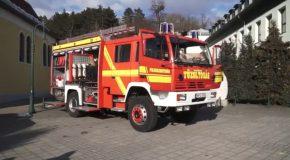 Tűzoltóautó-átadás Pilisszentivánon
