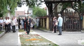 Úrnapi szentmise és körmenet Pilisvörösváron